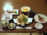 テニスコートのある、料理がおいしい民宿 〜2食付き〜