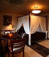 【1室限定】 バリ製天蓋つきベッドのアジアンルーム※ポイント2倍!