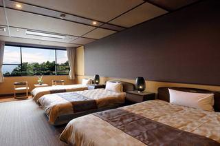 二人静本邸 洋室 26平米 3ベッド シモンズ製最高級ベッド