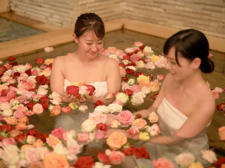 女子大浴場 バラ風呂