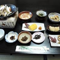 【2食付】女将の手作り料理が人気。豊かな緑で水に育まれた信州の幸をたっぷりと♪