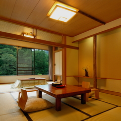 【C】谷川岳を望むお部屋「和室」