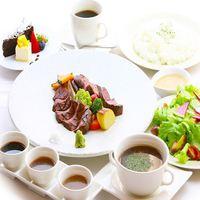 【ルームサービス2食付】客室であしたか牛のライトディナー!おこもりホテルステイプラン