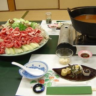 【当ホテル自慢ピリ辛鍋】 くせになる自慢の鍋を堪能下さい。 1泊2食付♪