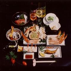 カニ姿盛りプラン!カニ、牛肉、刺身、海老、鮎等お腹も満足!カニは包丁入れで食べやすくお出しします
