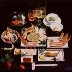 ☆秋といえばコレ☆ 紅葉とカニ姿盛り満喫プラン♪ご予約期間は11月20日〜12月10日限定です。