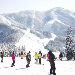 【お先でスノ。】【スキージャム勝山まで車で1時間】スキー&スノボ応援、滑った後は2食付で安心プラン!