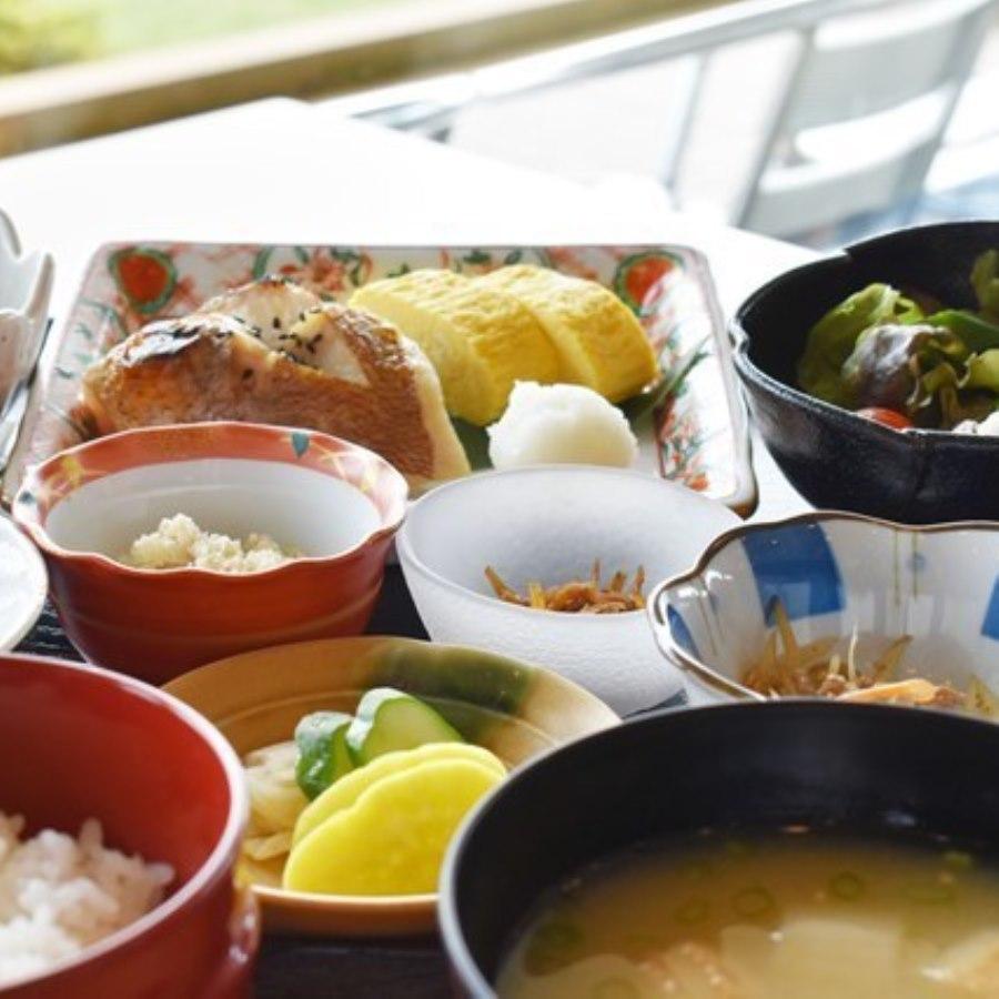 <1泊朝食付>絶景を眺めながら『高原野菜たっぷり朝食』をご堪能!(朝食付)