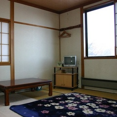 見晴らしの良い角部屋の和室8畳バストイレなし201号室