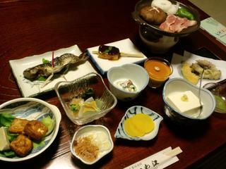 豆腐料理が中心〜2食付き