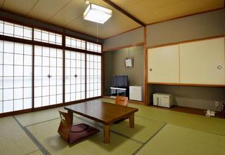 本館和室 ◆喫 煙◆ (6〜10畳間・2階)