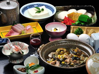 〔活すっぽん鍋〕濃厚スープとコラーゲン&鹿野温泉でお肌ぷるるん♪新鮮なすっぽん!活スッポン鍋