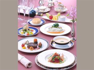 大切な人と・・・フレンチフルコースで優雅なひと時を♪♪【夕食・朝食付/桜島側】