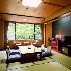 2-3階 10畳和室(バス・トイレ付)