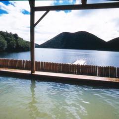 【然別湖☆遊覧船乗船券付】神秘の湖を湖上から楽しもう♪40分クルーズ <夕食はお部屋食>