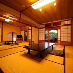 客室温泉付き特別室『もみじ』(加湿空気清浄機完備)
