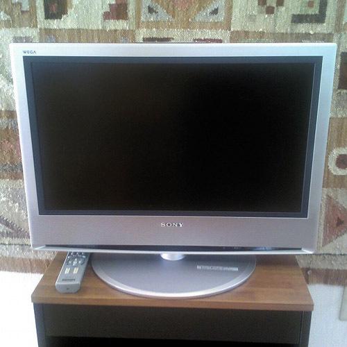 32型・28型液晶テレビ×2台
