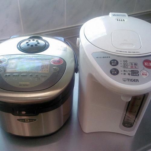 備品・電子ポットor炊飯器or電子レンジ