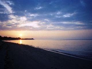 夏の沖縄旅行!素泊まり1泊〜OK(夏予約限定)★ビーチの目の前で広々コテージで過ごす極上の時間
