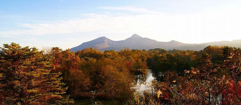 紅葉の中瀬沼