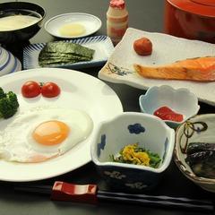 【朝食付】あったか温泉と手づくり朝ごはんでおもてなし《和室10畳》☆現金特価☆