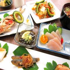 【当館人気】●2食付●ドリンク1杯無料!島魚にジーマミー♪島の味覚たっぷり≪沖縄御膳≫