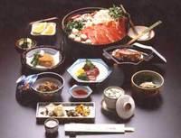 ◆【楽天ポイント10倍】ご当地名物!静岡名産「猪鍋」と富士山麓名産「鹿刺し」をご堪能!【夕朝食付】