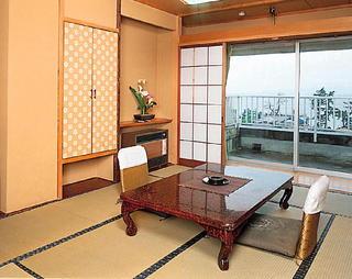 【日・月・火・水限定】 条件が満たせばお得に!!素泊り2999円プラン