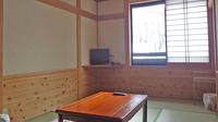 *和室7.5畳(トイレ、洗面付)