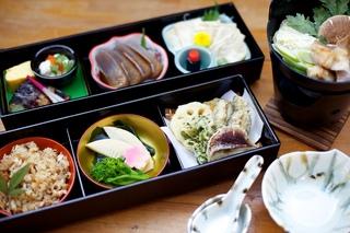 ◆美山EISA◆ 夕食:地元食材の『美山F&B御膳』 【朝食食材付き】