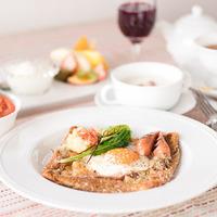 ≪カフェ&バーBalena≫地中海風ハーフコースディナー…沖縄山葡萄ワインとご一緒に【2食付】