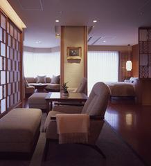 5階【角閃石と檜の内風呂付】洋室スイート