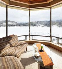 6階【角閃石と檜の内風呂付】和洋スイート