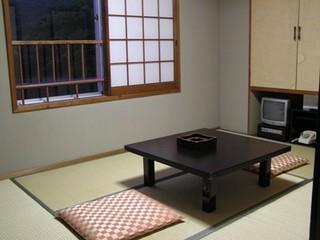 和室6畳 素泊まりプラン!観光、ビジネスに大変便利!