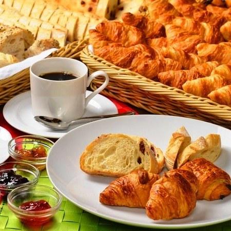 シェフ自慢の朝食ブッフェ