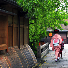 ◆着物・浴衣(夏季)レンタルセットプラン◆人気の『夢京都』で着物姿に変身!古都の町並みをカランコロン