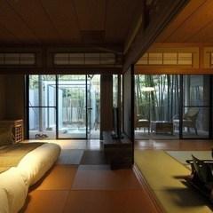 竹林に囲まれた露天風呂付禁煙客室「SUZURAN」すずらん
