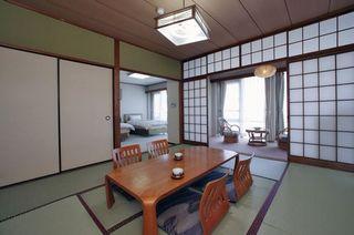 【窓側より海を望む和洋室8畳+ツイン】(禁煙)