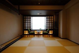 【海を正面に望む和室10畳】(禁煙)