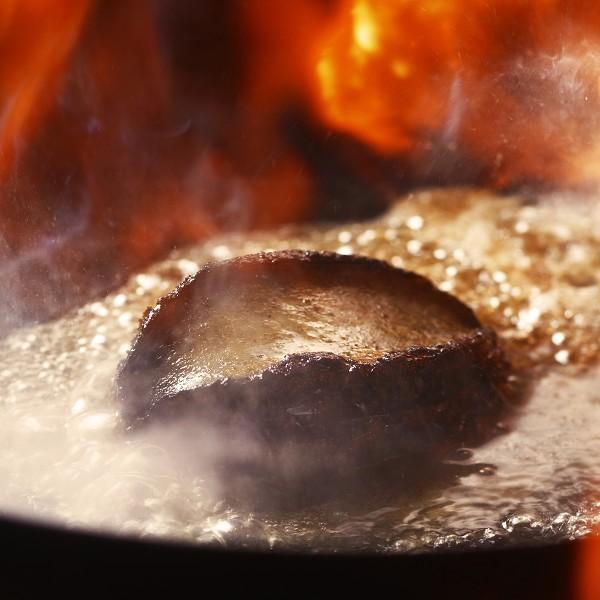 【夕食は会場食】【特選素材のアワビで贅沢♪】メインはむつ湾の黒宝 蝦夷アワビステーキ