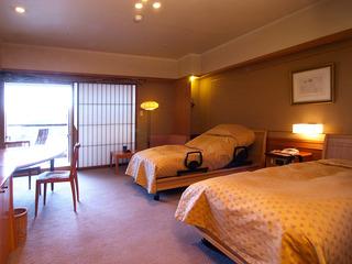 露天風呂付きバリアフリー ツインベッドルーム(室内風呂あり)