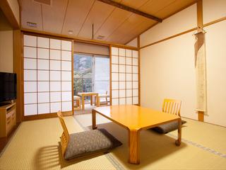和室10畳(広縁・トイレ・洗面所・床の間付き)