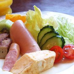 【朝食付】栄養満点の和定食でたまにはゆっくり朝ごはんタイム♪(現金特価)