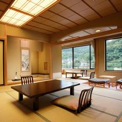 (東館/デラックス/会場食)眺めの良い優雅な和室12畳+4畳