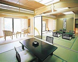 渓流沿い数寄屋造り和室16畳(1階)