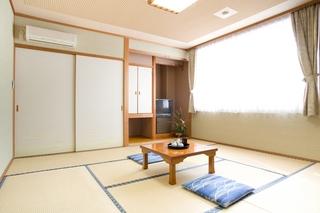 新館和室8畳(トイレ付)