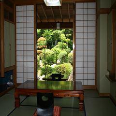 眺望重視♪庭園が望める和室♪8畳+6畳♪1階♪