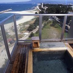 日本海と大山を望む露天風呂付、ジャグジーバス付(和室13畳)