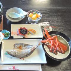 【伊勢海老鍋】冬季限定で食べられるイセエビ鍋♪出汁・旨みを丸ごと味わう<二食付>