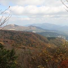 【さぁ!登山の始まりです!】 春は新緑・夏は天然クーラー・秋は紅葉! 現金特価